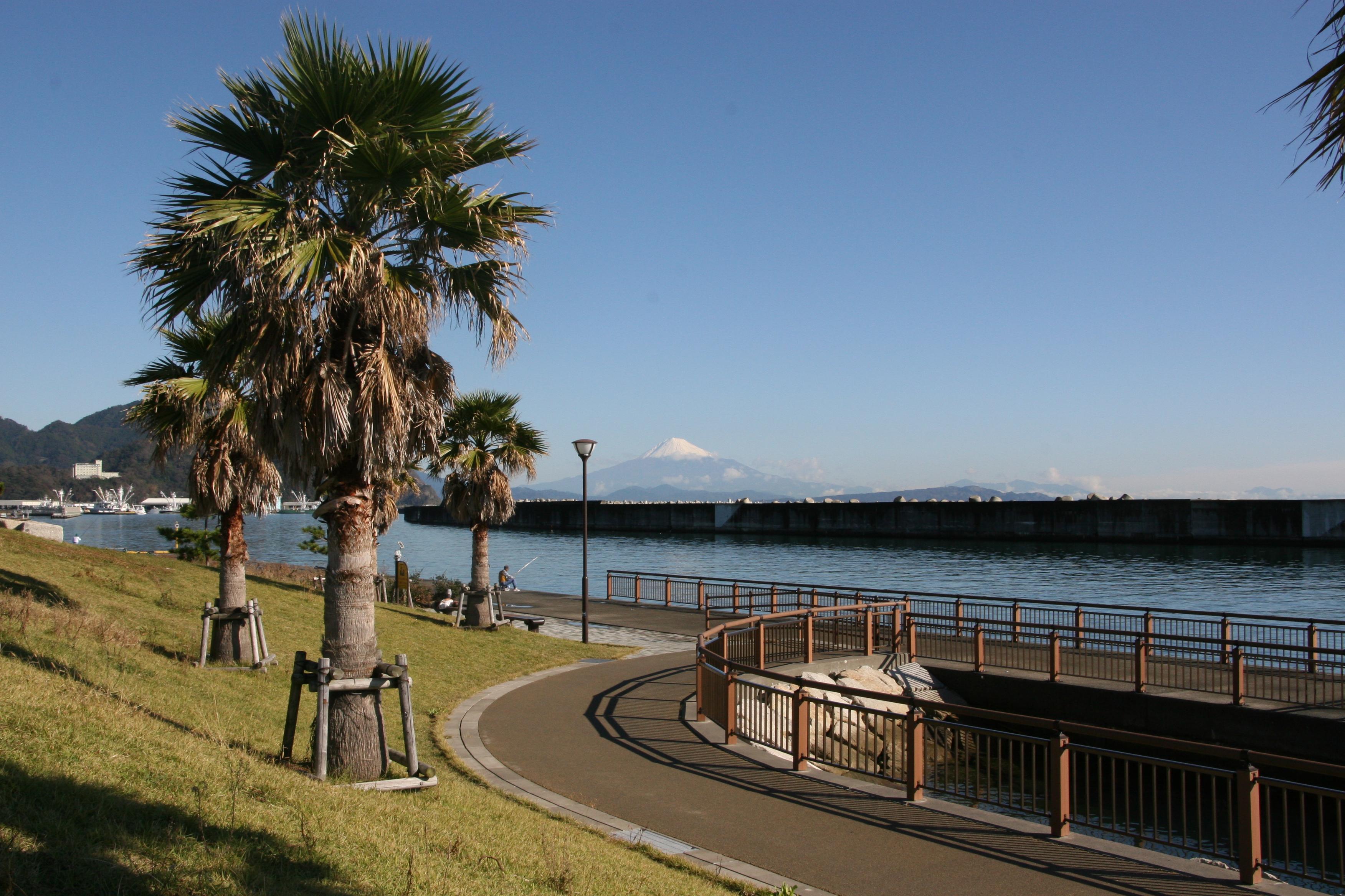 今日の富士山(2012.10.29:焼津港 親水広場「ふぃしゅーな ...