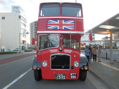 ロンドンバス正面