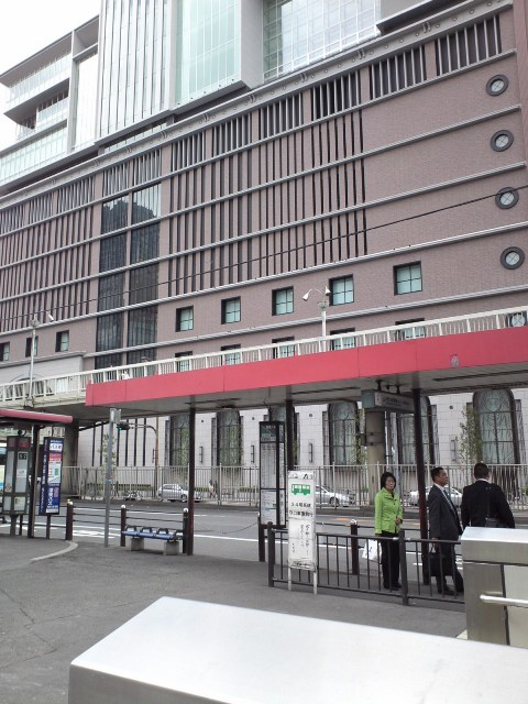 Osakaeki04.jpg