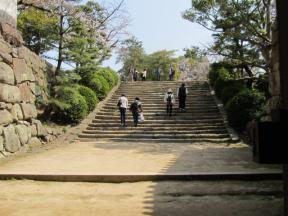 本段への階段