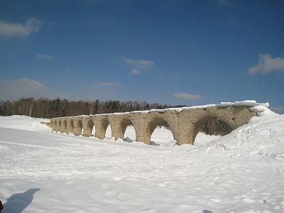 糠平タウシュベツ橋梁南面