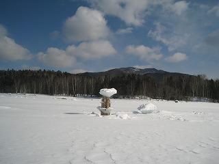 糠平湖東岸キノコ氷2