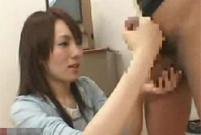 旦那をモデルにして興奮する手コキのやり方を教わる手コキセミナーに参加した素人妻