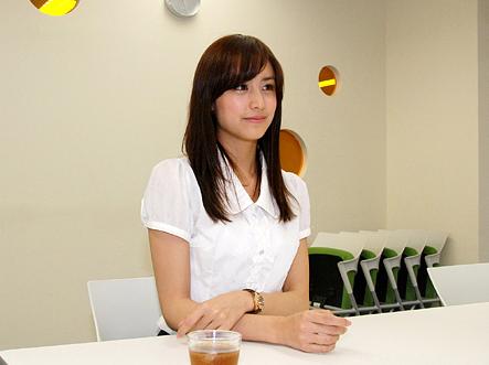 『まどか☆マギカ』人気モデルの山本美月さん「小学生のときからアニメが大好き」 CanCam8月号でまどかコスを披露