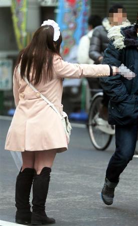 【オタロード大阪】オタク狙う、ぼったくりメイドカフェに記者が潜入→3万3千円巻き上げられる