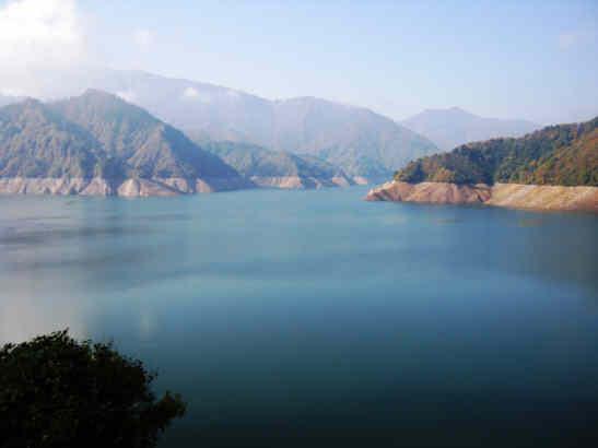 田子倉湖121022a