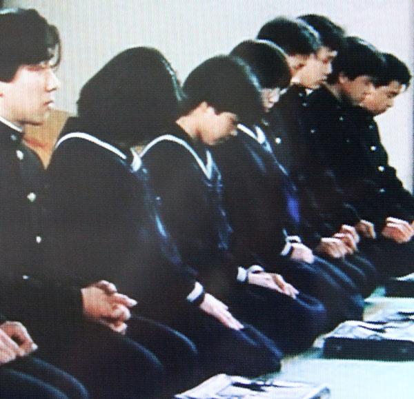 ぼくらの七日間戦争 正座 セーラー服 女子中学生