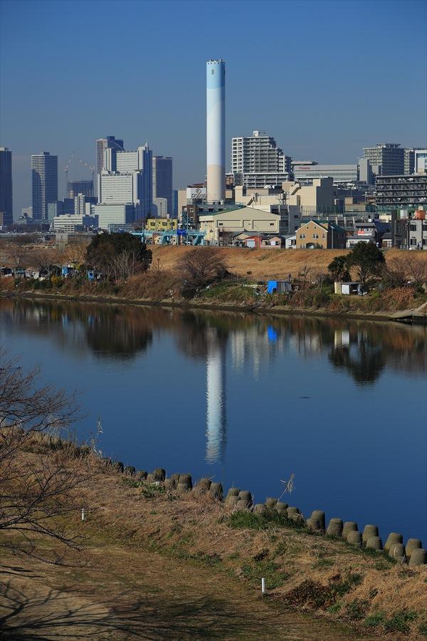 多摩川清掃工場煙突シンメトリー02