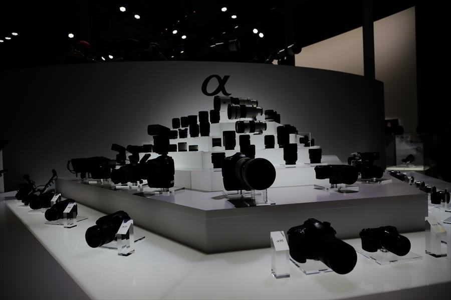 CP2013SONYブースカメラレンズ展示03