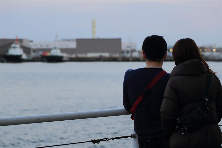 CP20136横浜トワイライト海カップル05