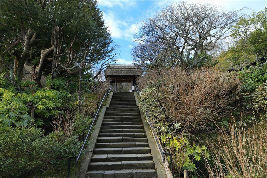 東慶寺山門階段01