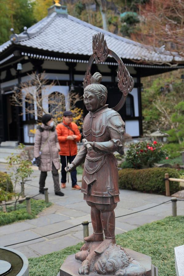 長谷寺その1立像と御堂03