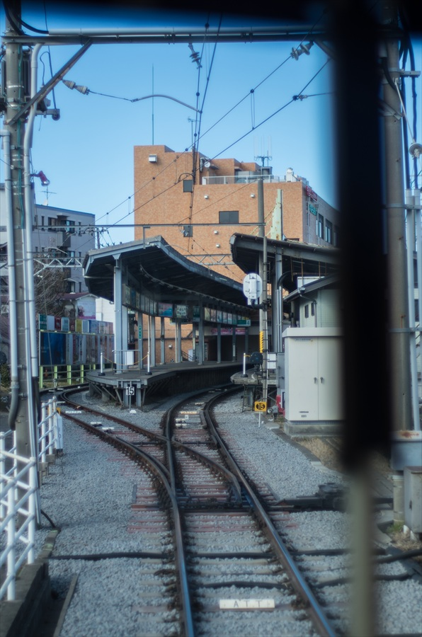 江ノ電車内から撮影鎌倉駅13