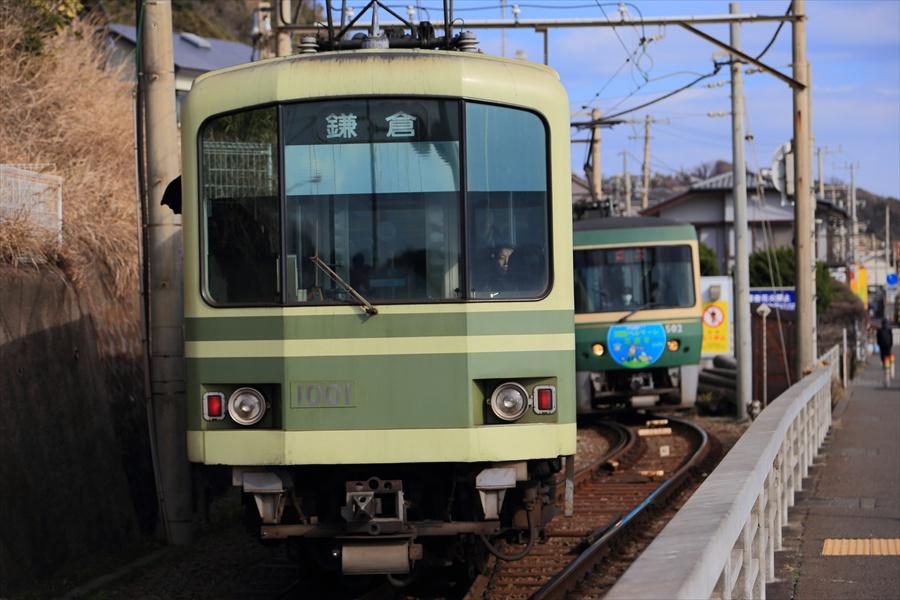 江ノ電信号所交錯接近08