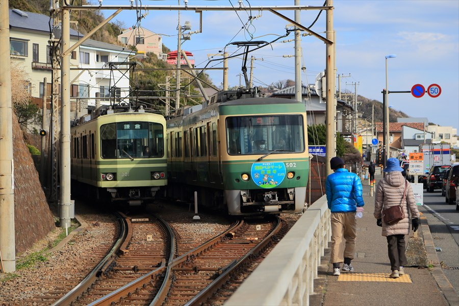 江ノ電信号所交錯下り発車10