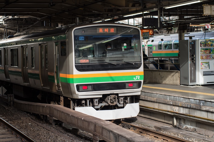 上野アメ横上野駅電車230系19