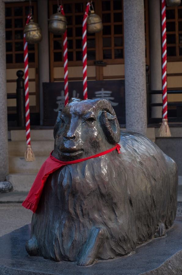 仙台八幡神社羊像15