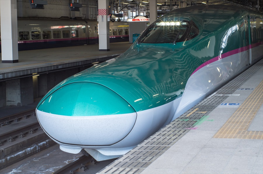 東北新幹線E5前から01