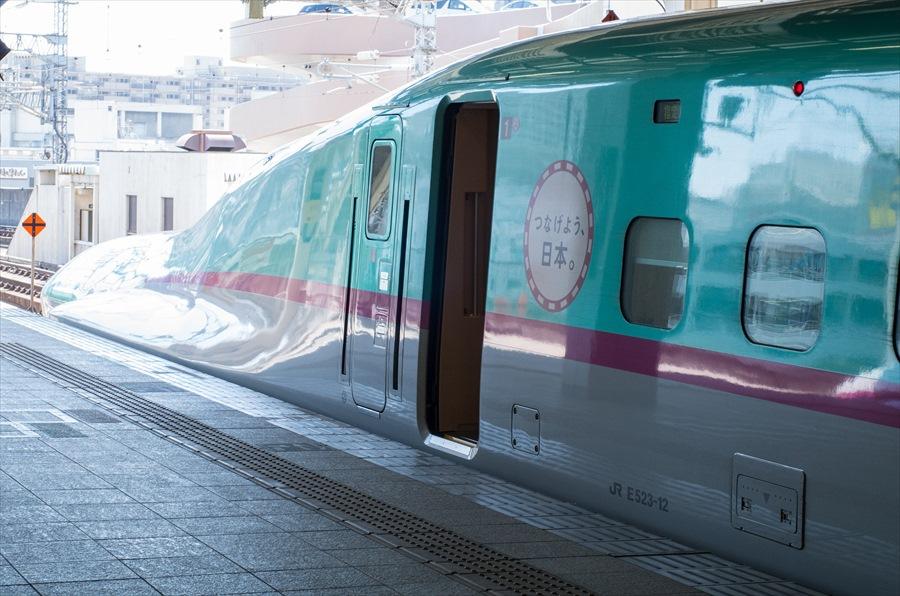東北新幹線E5先頭車両側面部05
