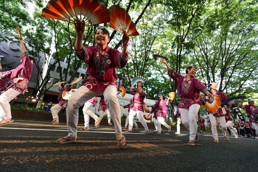 青葉祭り雀踊りその2常禅寺赤紫05