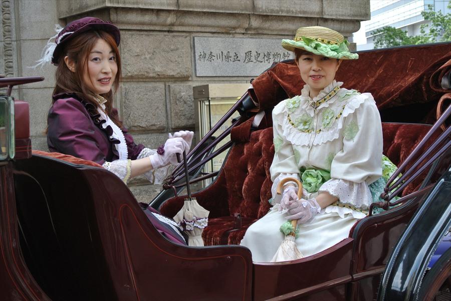 横浜J1154馬車道その2鹿鳴館衣装馬車05