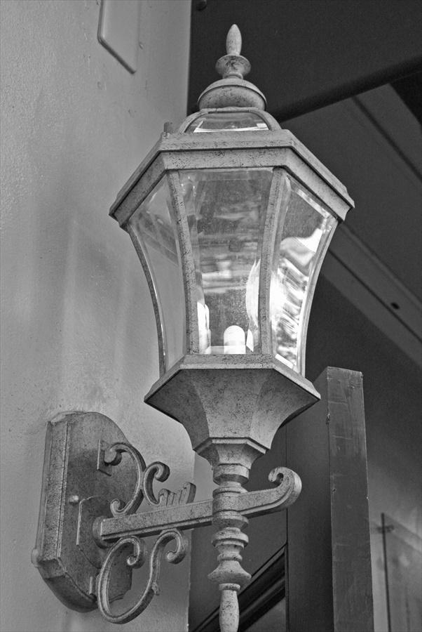 横浜J1154馬車道その2外灯ランプ模擬モノクロ09