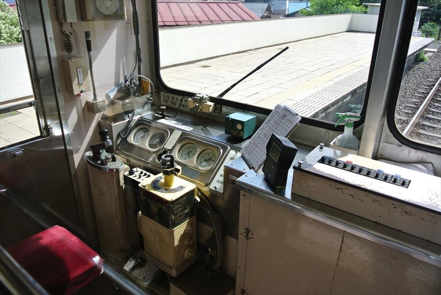 福島交通運転席08