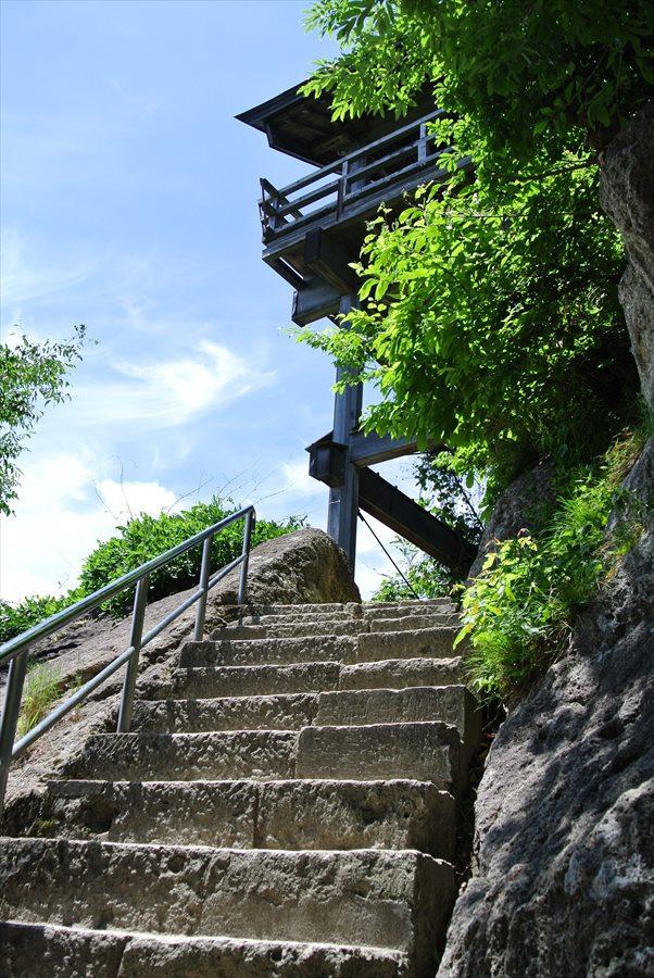 山寺開山堂から五大堂への登り02
