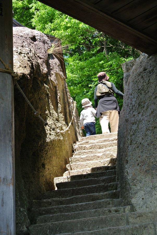 山寺五大堂への最後の登り03