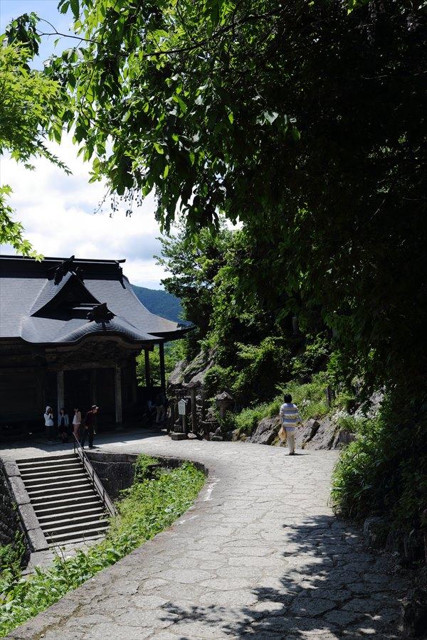 山寺奥の院から五大堂への路10