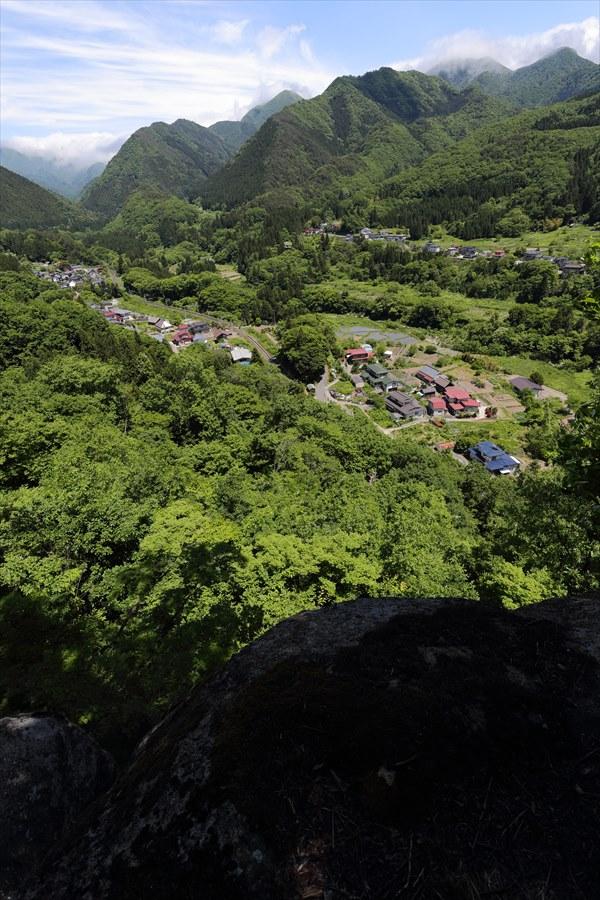 山寺登山尾根岩場からの眺望08