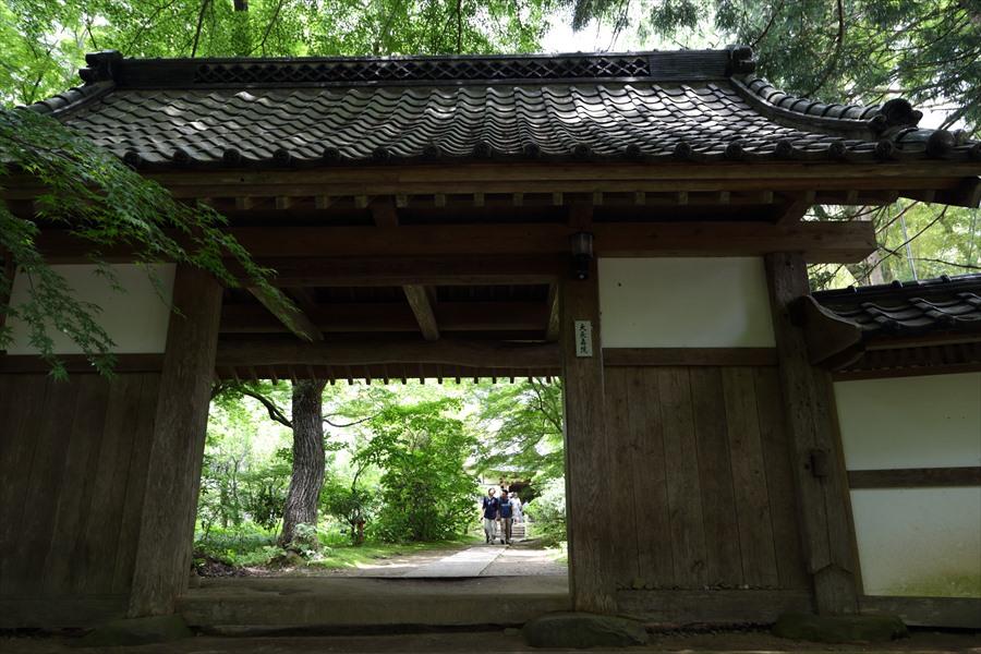 平泉中尊寺04白山神社への路門01