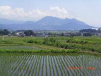 H240614高社山と木島平スキー場を望む