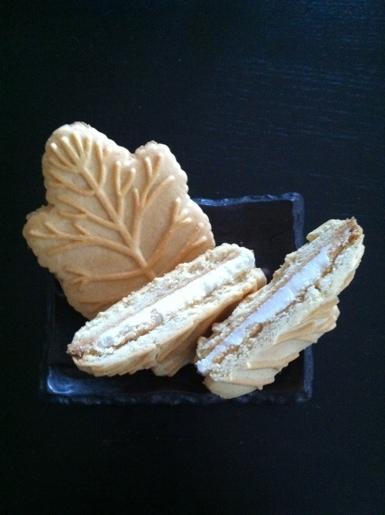 メイプルリーフクリームクッキー