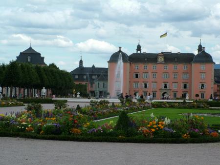 夏のシュヴェツィンゲン城