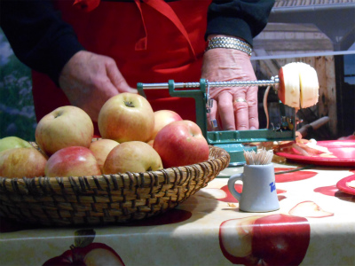 リンゴの皮むき器1