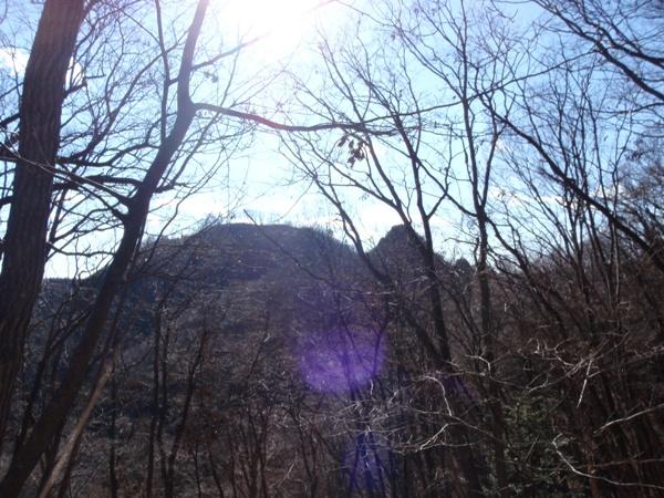 とんがり峰と岩茸石山