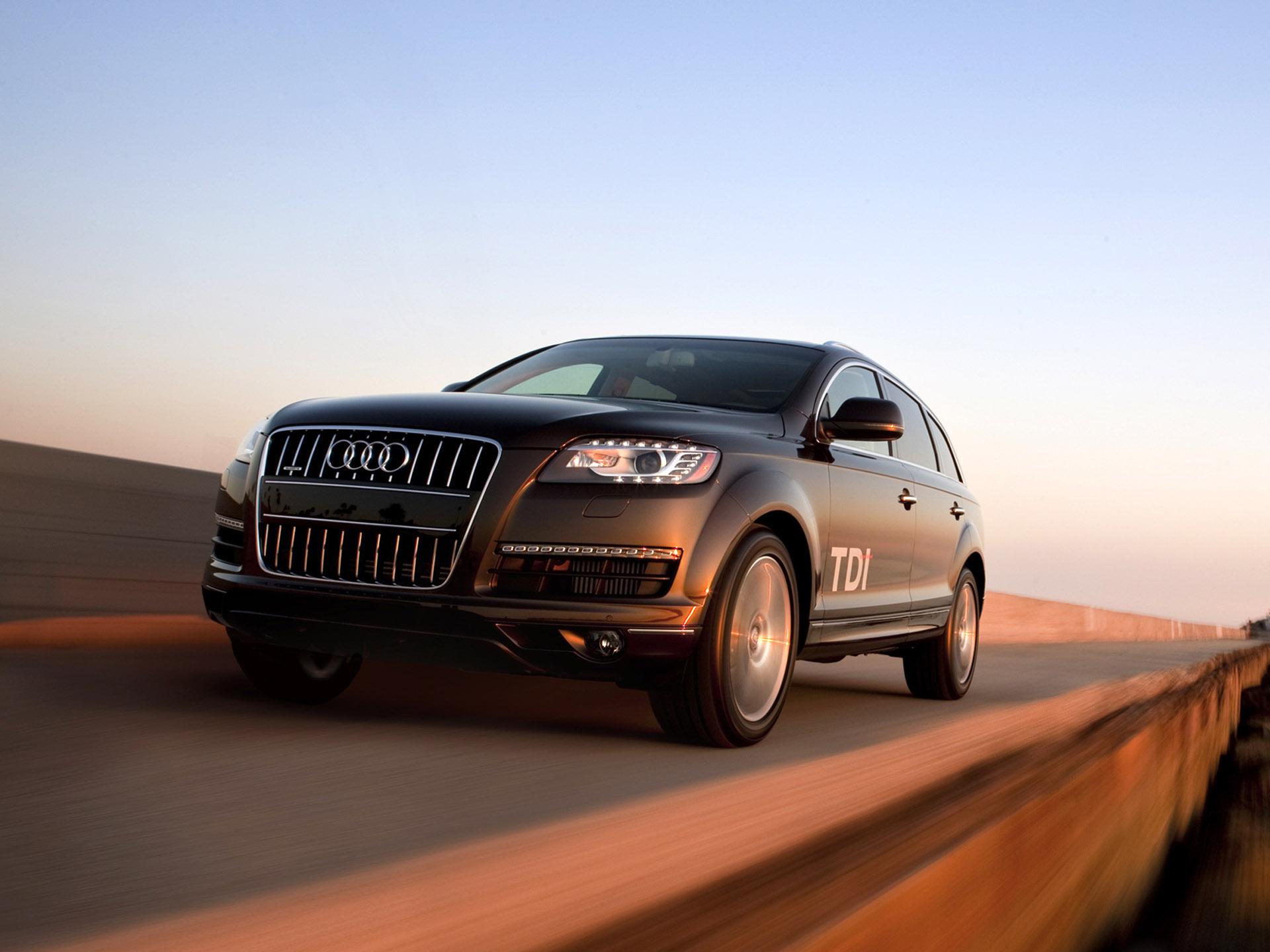 Audi Q7 3 0 Tdi Clean Diesel Quattro 10 アウディに嵌まる 壁紙画像ブログ