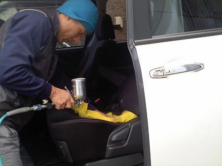 車内嘔吐 クリーニング消臭