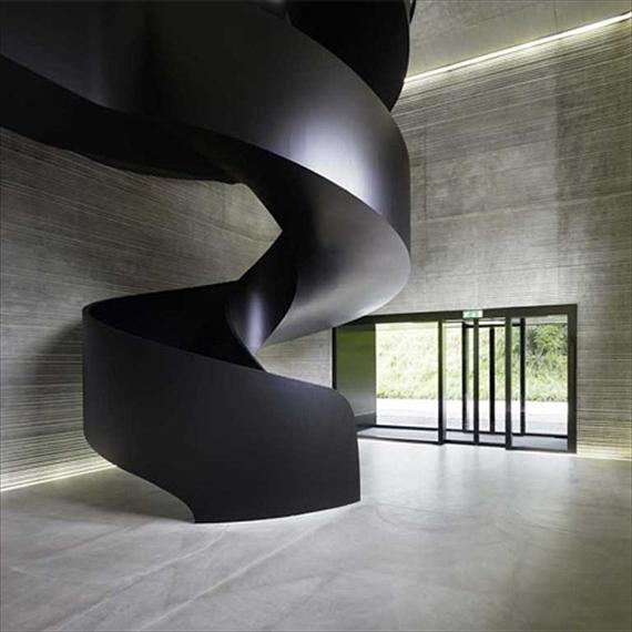 Reem2n_staircase2.jpg