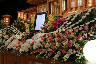 バラ花祭壇4845