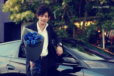 青いバラ~煌薔薇~