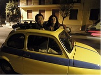 カーラの車