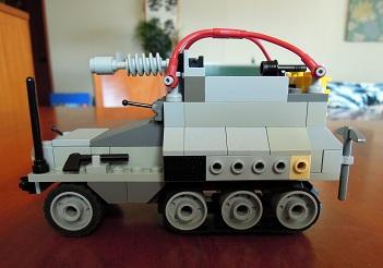 LEGO装甲車3_サイドビュー