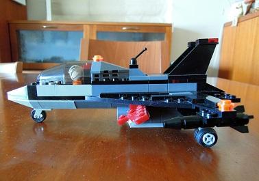 LEGO戦闘機_サイドビュー