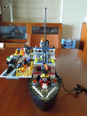 LEGO空母_フロントビュー