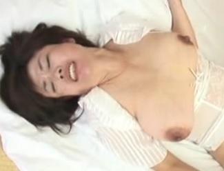 时越芙美江 五十路で爆乳のおばさんとセックス 2