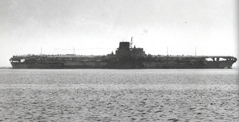 800px-Japanese_aircraft_carrier_Shinano.jpg