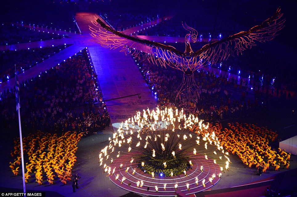 London-Olympic-Closing-Ceremony-2012-Phoenix-from-the-flames.jpg