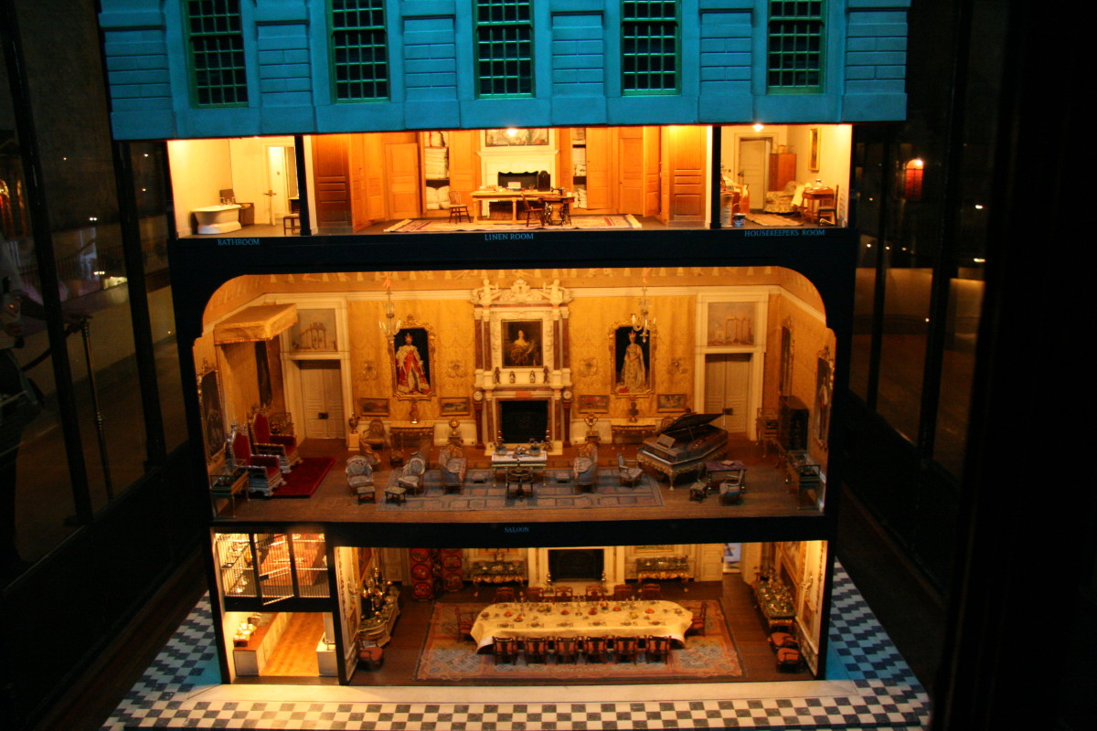 Queen_Marys_doll_house_at_Windsor_Castle.jpg